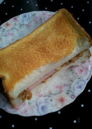 焼きそば&ハムチーズトースト