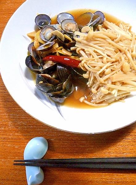 台湾料理☆しじみの醤油漬けとエノキのさっと煮