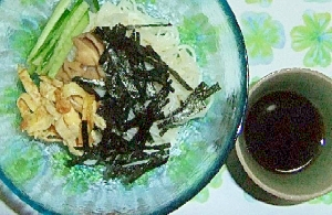 夏は簡単素麺で昼ごはん
