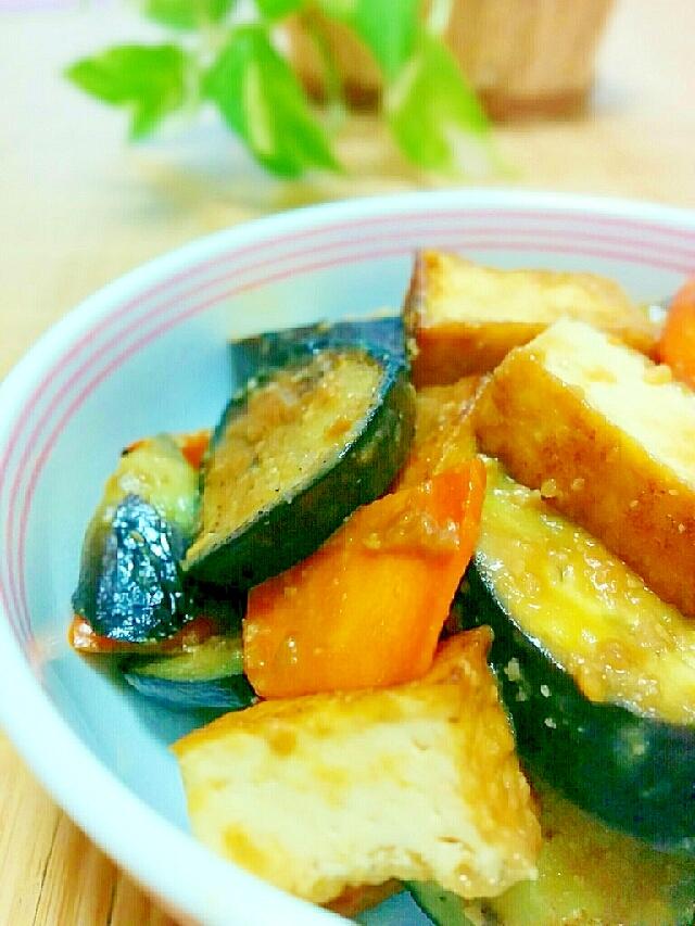 ご飯のおかず厚揚げと茄子の味噌炒め