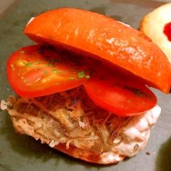 鶏ハムとかき揚げ牛蒡のサンド