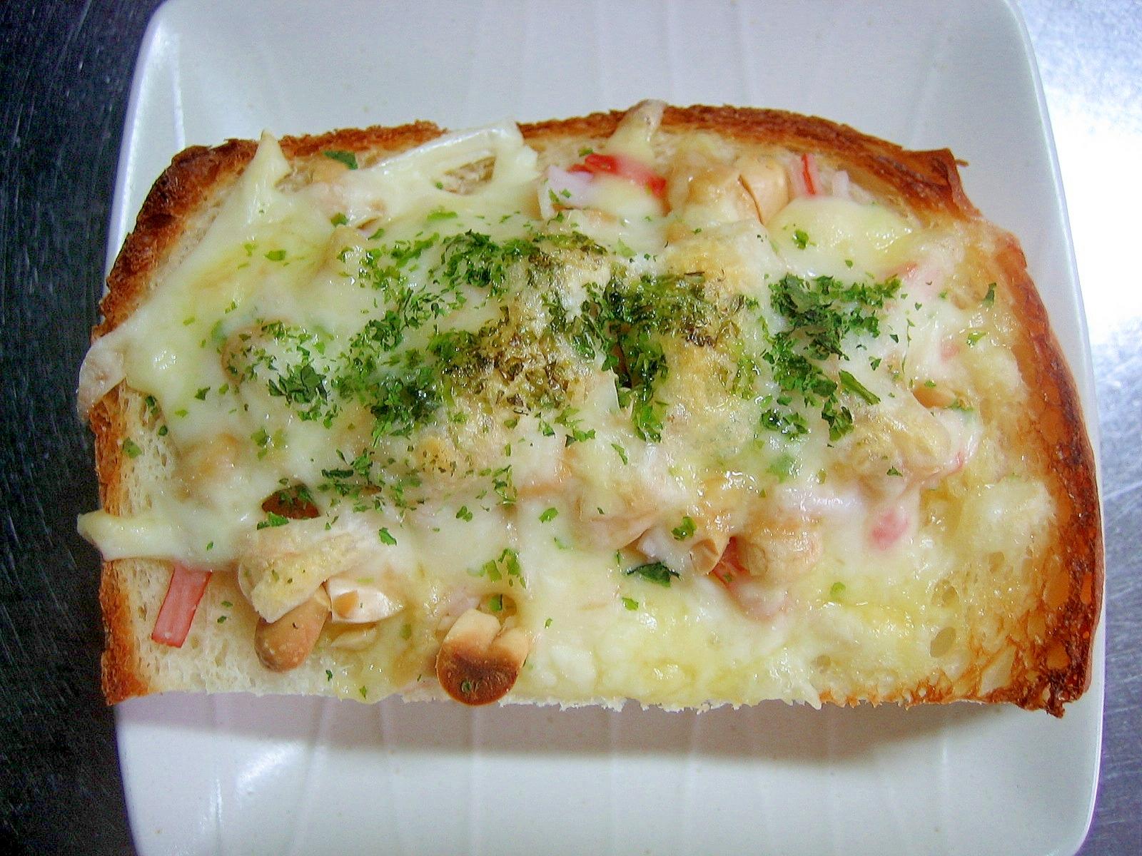 カニカマ&ピーナッツの青海苔乗せチーズトースト