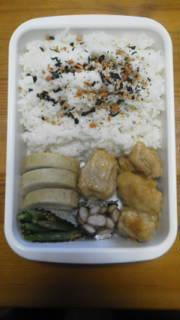 ☆パパお弁当☆から揚げ・かまぼこ・大豆甘煮・いんげ