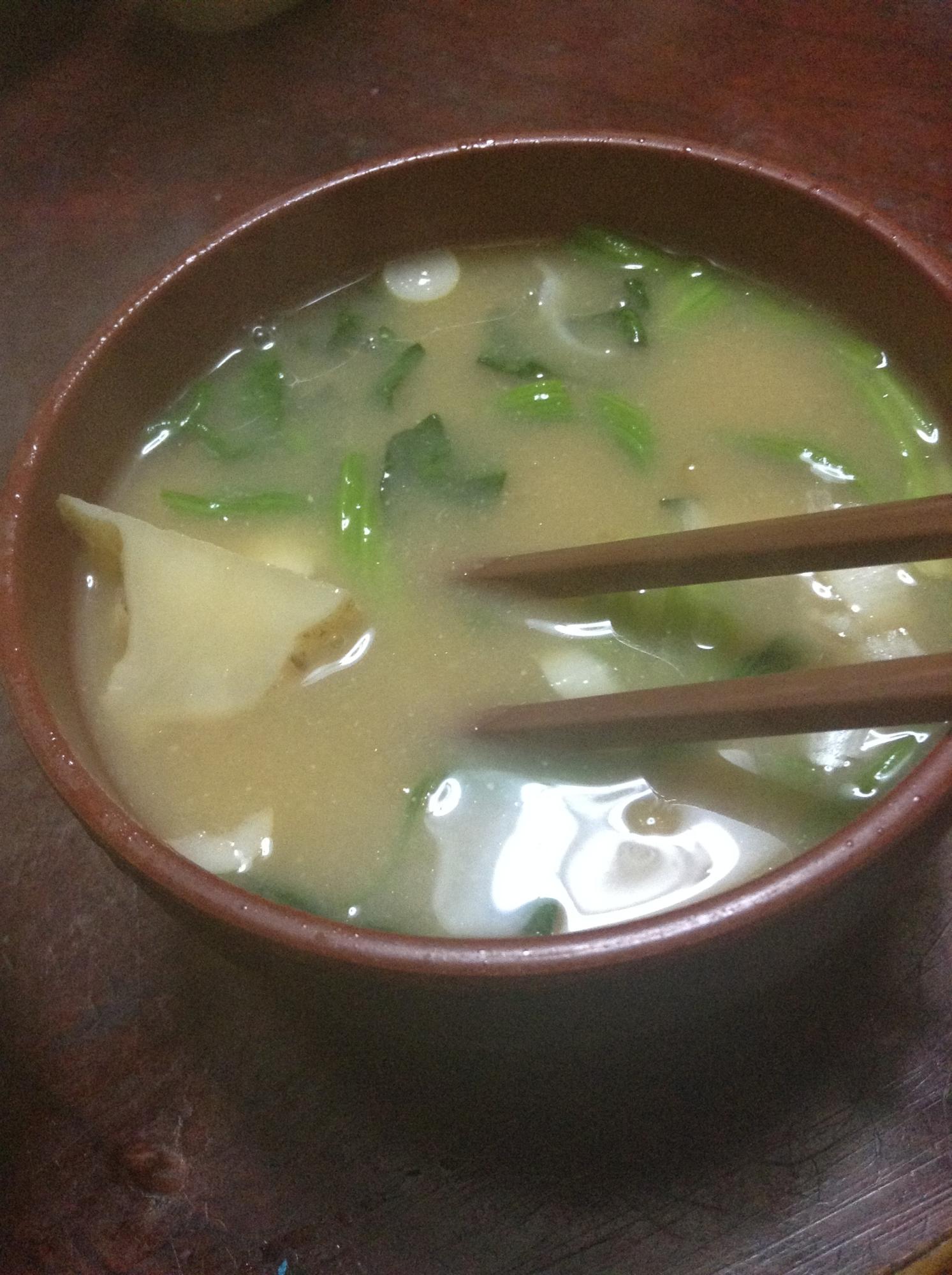 菊芋とほうれん草の味噌汁
