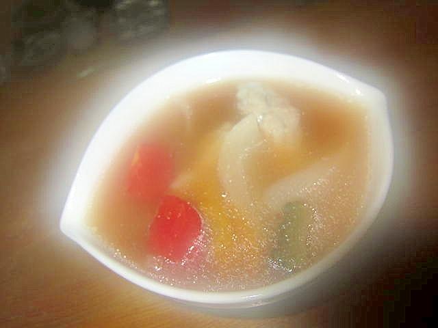 ゴーヤとパプリカ鶏肉玉葱酢醤油スープ