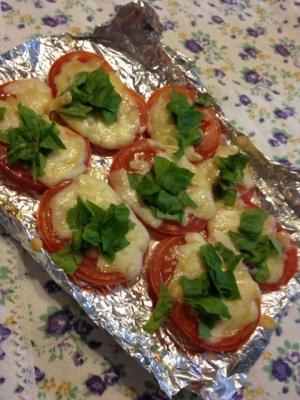 オーブントースターで簡単☆トマトのチーズ焼き
