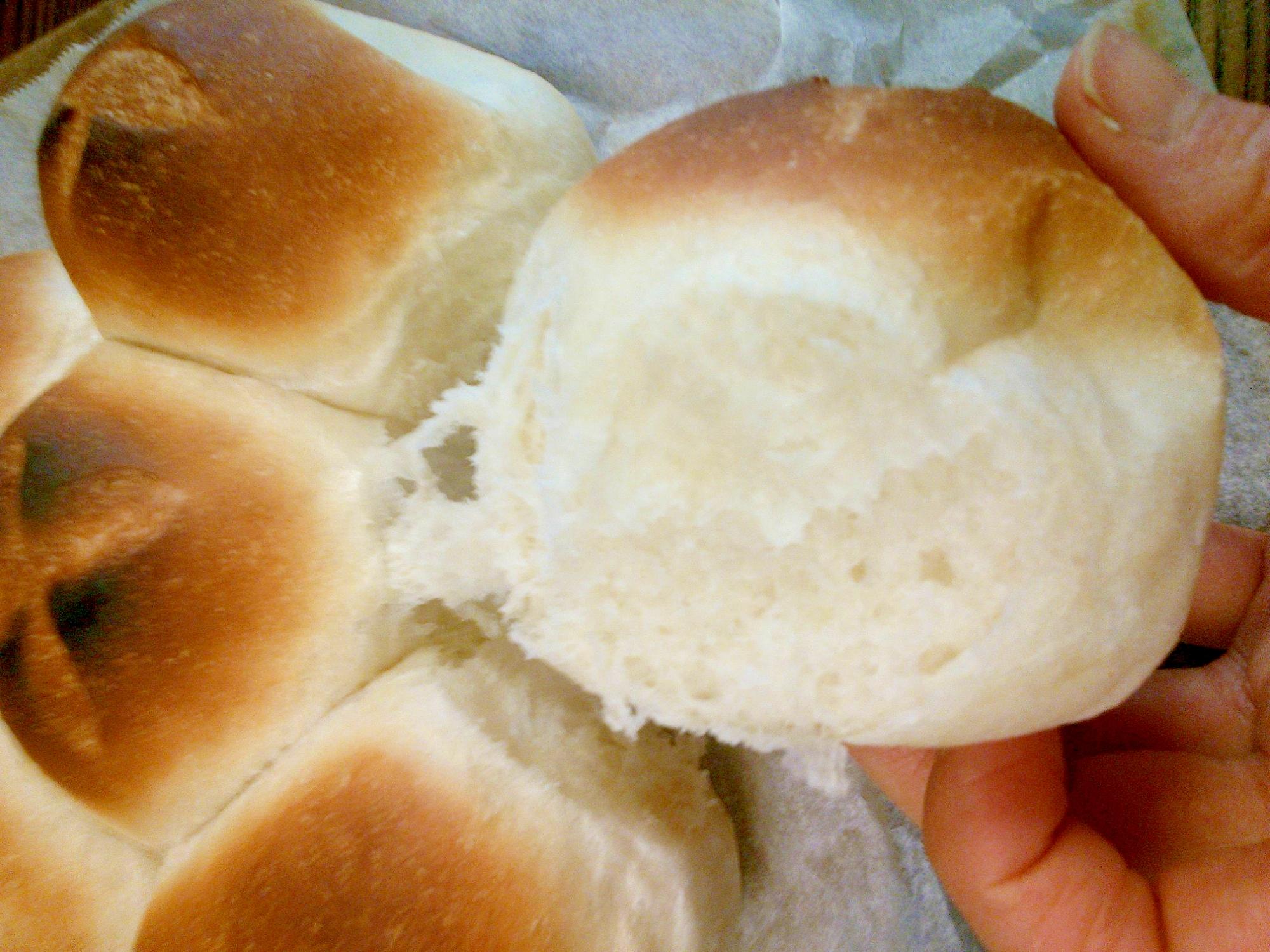 ダッチオーブンでふわふわパン