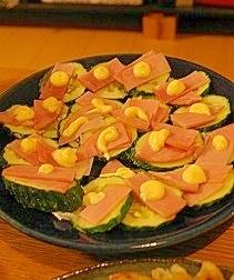 簡単お手軽夜食おつまみ☆キュウリのカナッペ風