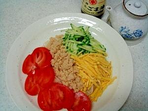 素麺で三色丼風冷やし麺