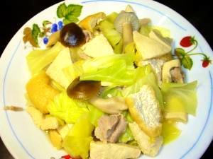 キャベツと凍み豆腐としめじの煮浸し