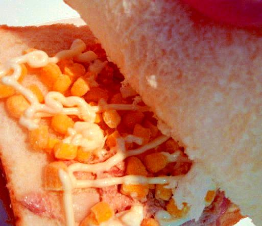 ツナソース&コーンマヨのサンドイッチ