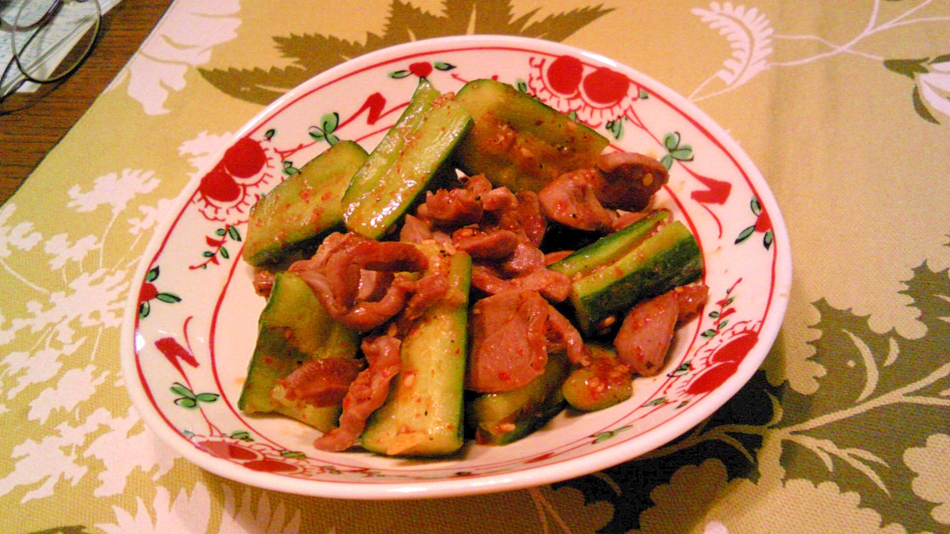 きゅうりと砂肝の炒め物