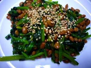 栄養満点♪ほうれん草と納豆の炒め物