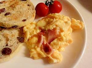 朝食に☆ベーコン入りスクランブルエッグ♪