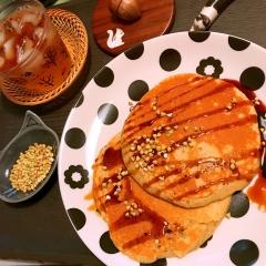サクサク蕎麦の実添え 蕎麦粉のパンケーキ