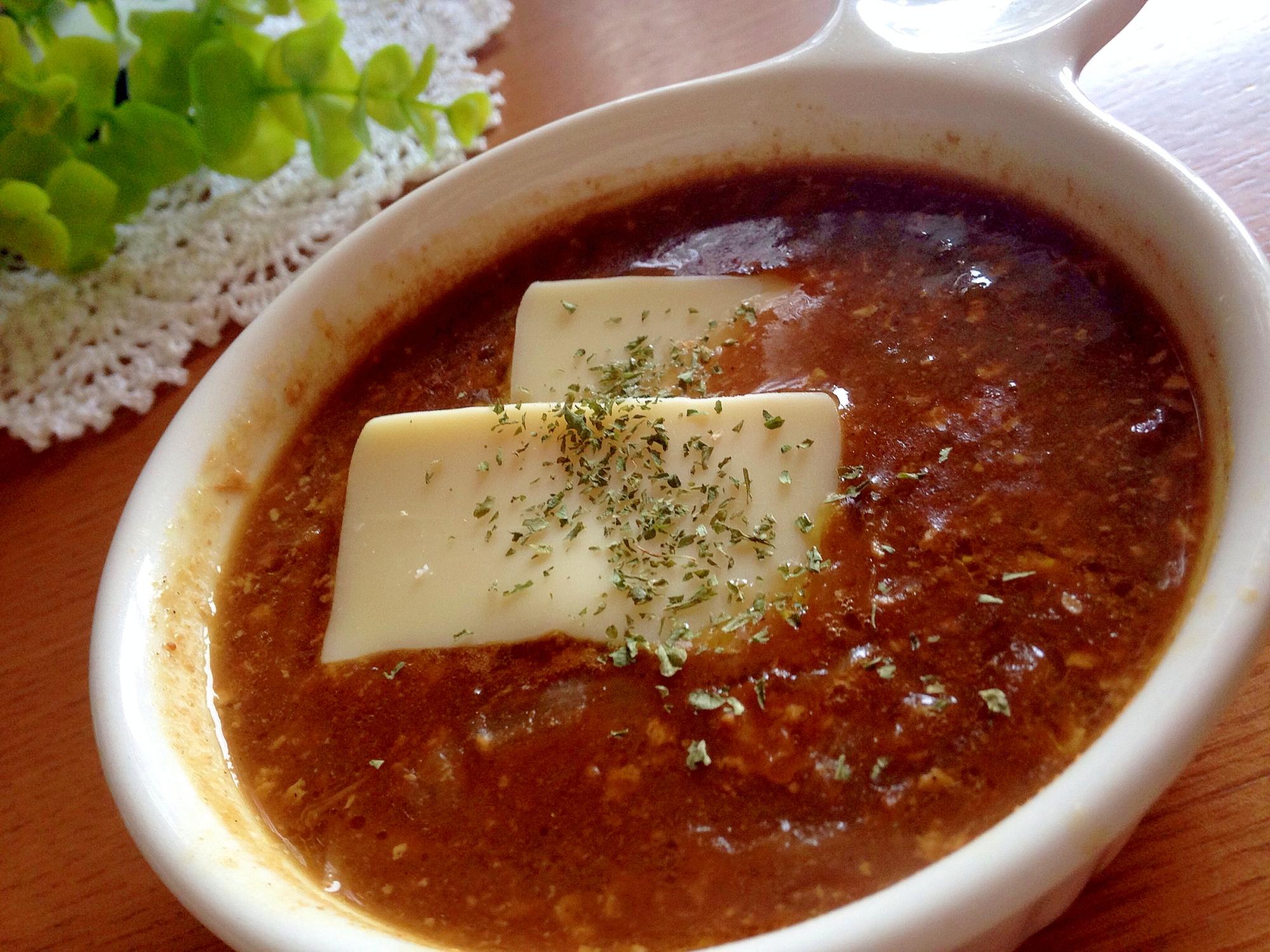 3. チーズをのせた手羽先スープカレー