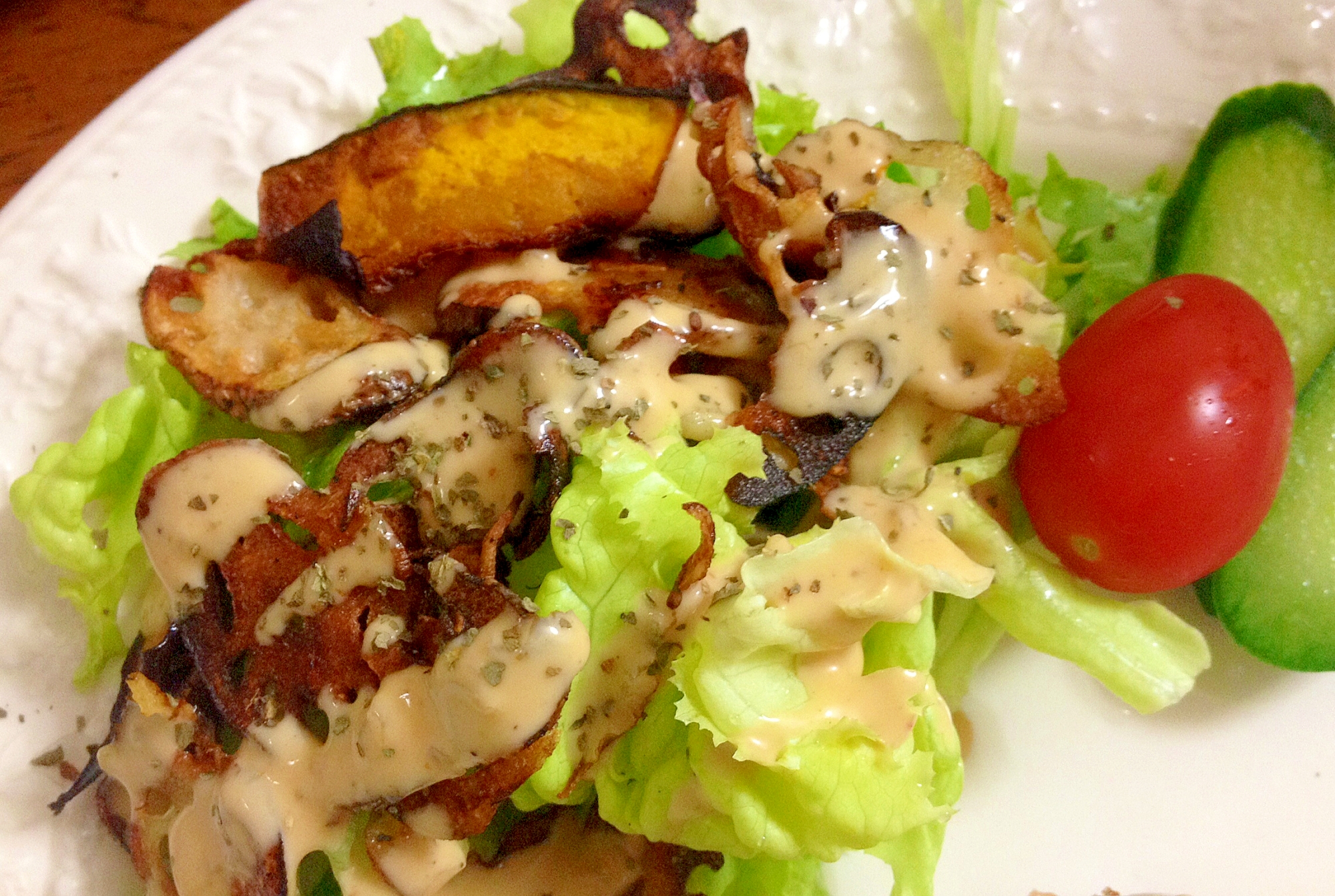 南瓜とレンコンチップレタスのサラダ