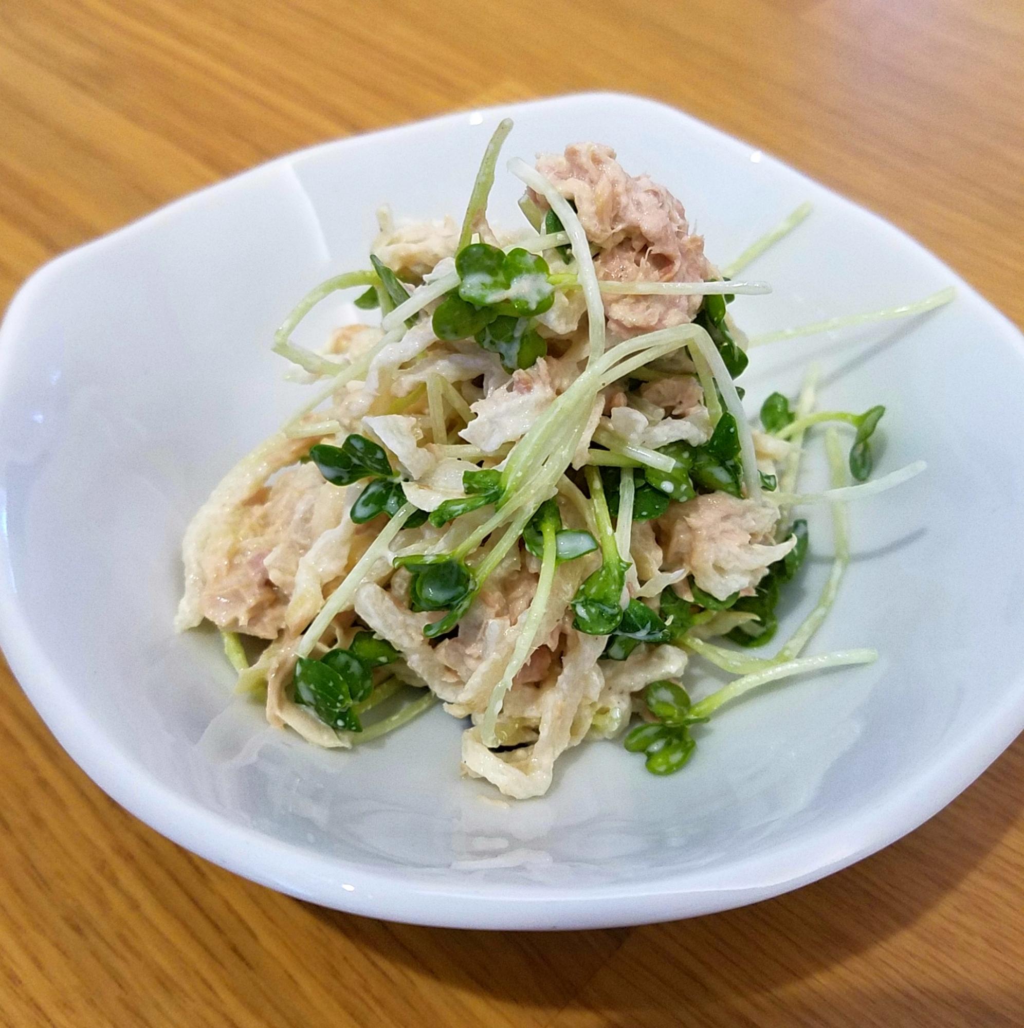 1. プラス「マヨ」で洋風サラダ