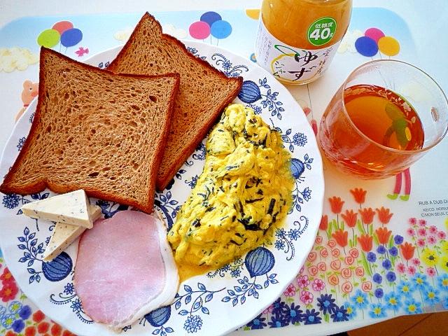 ひじき生ふりかけのオムレツ朝食♪