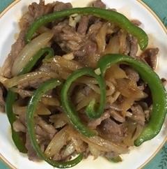 ジンギスカンのたれで、ラム肉と野菜の炒め物