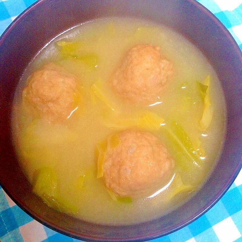 キャベツ&肉団子の味噌汁♪