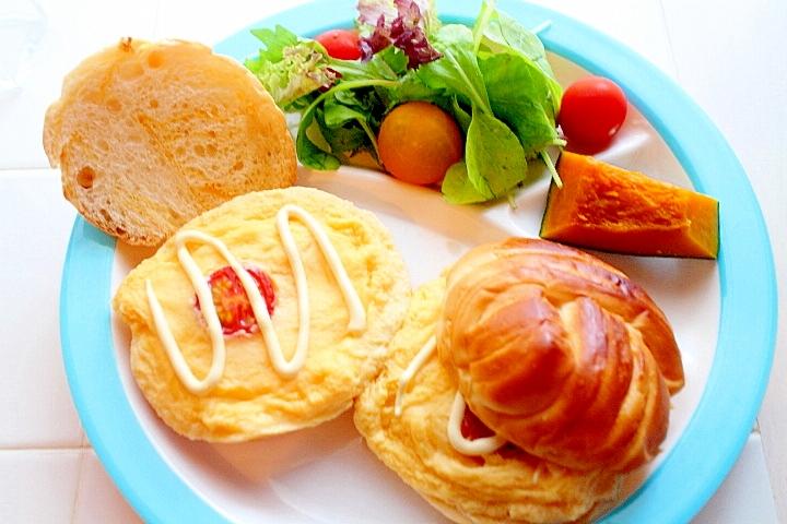 簡単充実ワンプレート!ふわふわ卵の赤い目玉サンド
