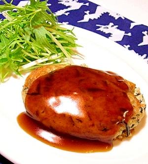 3. ヘルシーで栄養たっぷり「豆腐ハンバーグ」