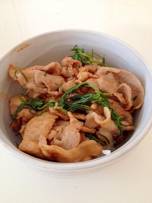 おかひじきと豚の生姜焼き丼