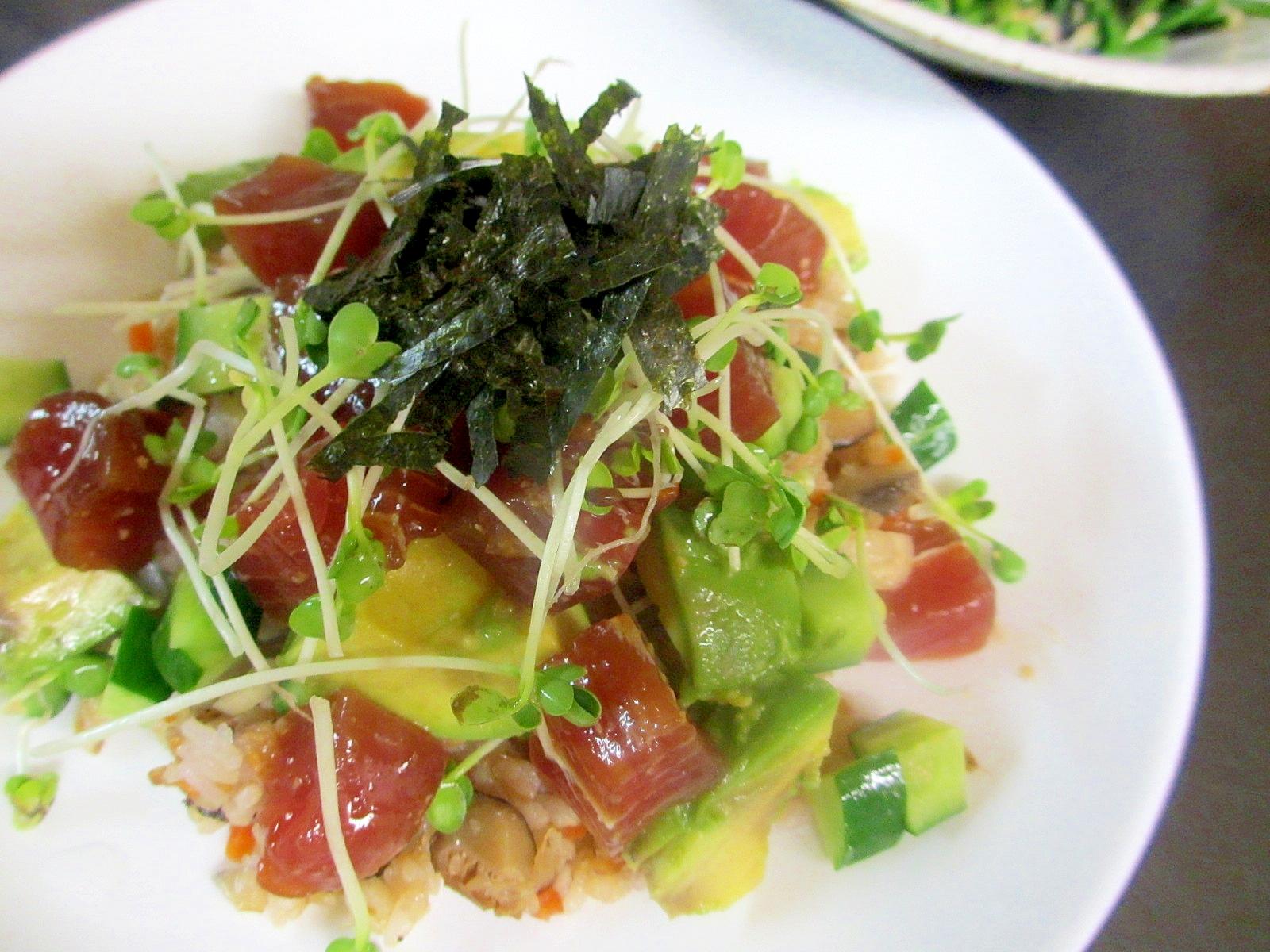 〔お手伝いレシピ〕アボカドマグロミョウガ散らし寿司
