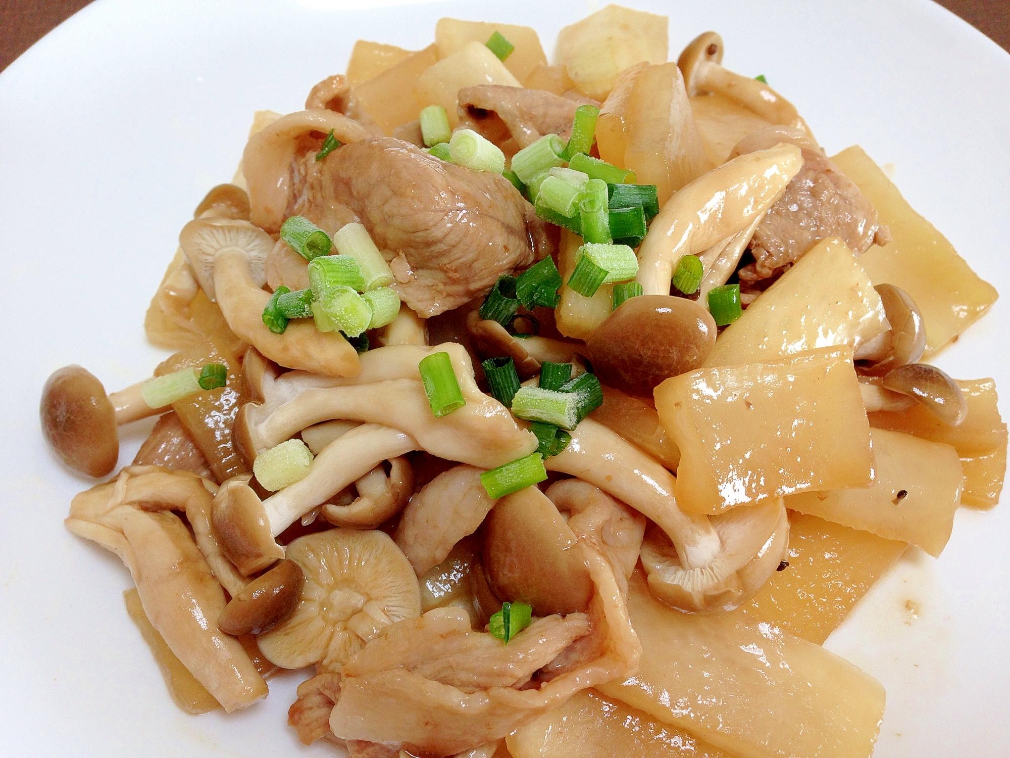 白い皿に盛られた、豚肉と大根のオイスターソース炒め