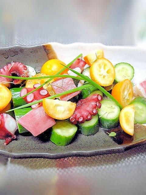 タコと金柑ときゅうりのキレイなサラダ