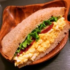 卵と薩摩芋のクリームチーズサンド