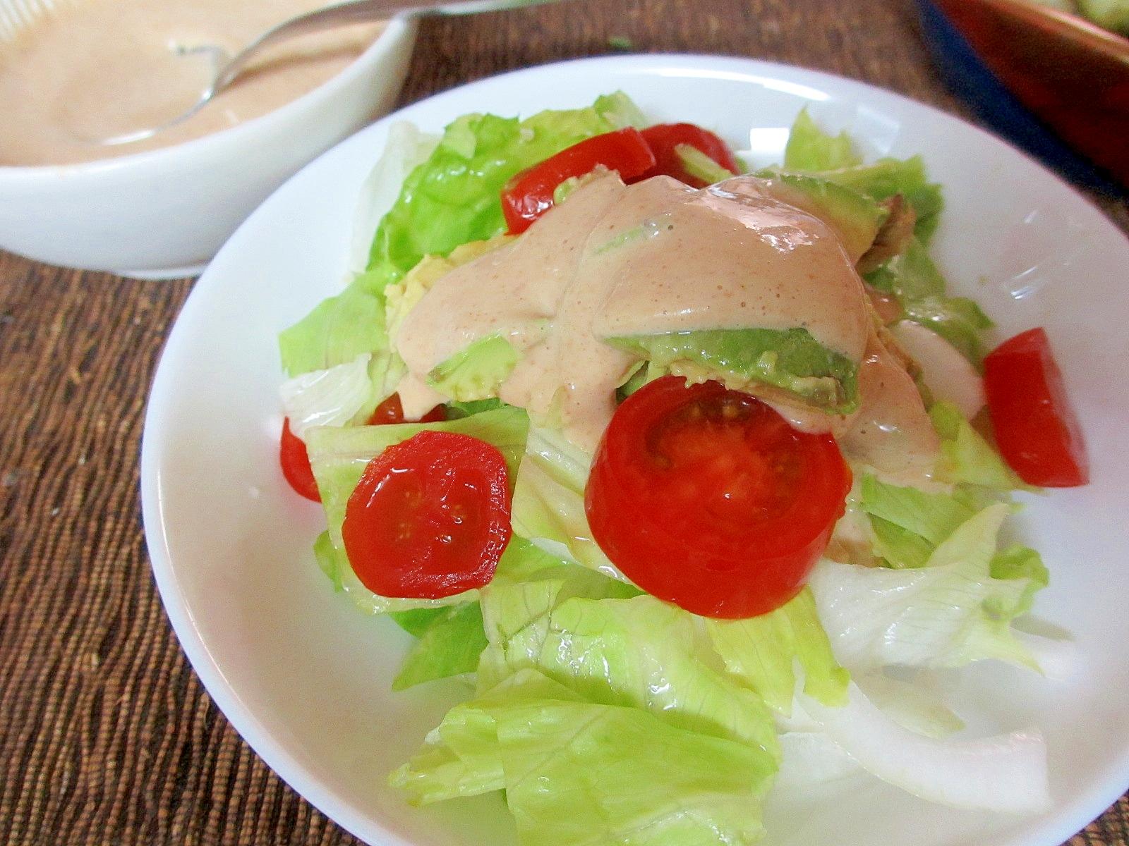 アボカドレタスプチトマトの豆腐ゴママヨドレッシング