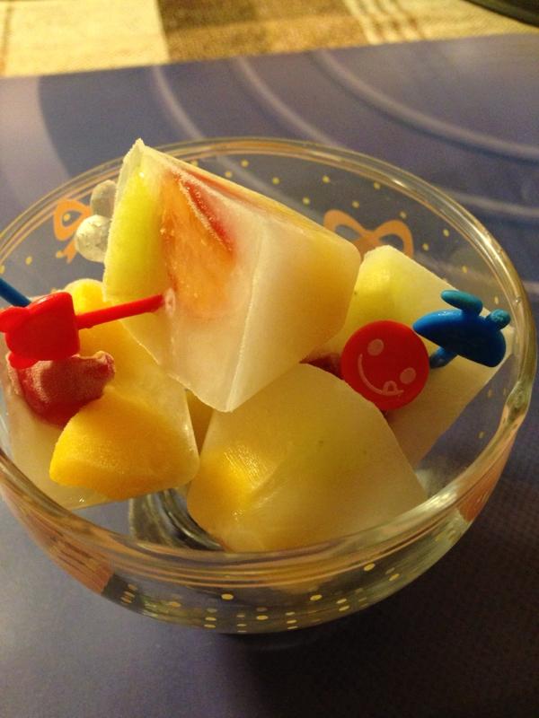 カルピスのフルーツ入りアイス