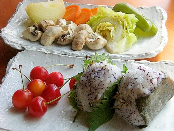 体調を整えたい温野菜で朝ご飯♪(おにぎり他)