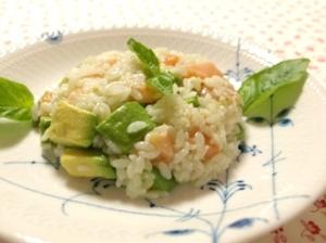 サーモンアボガド寿司