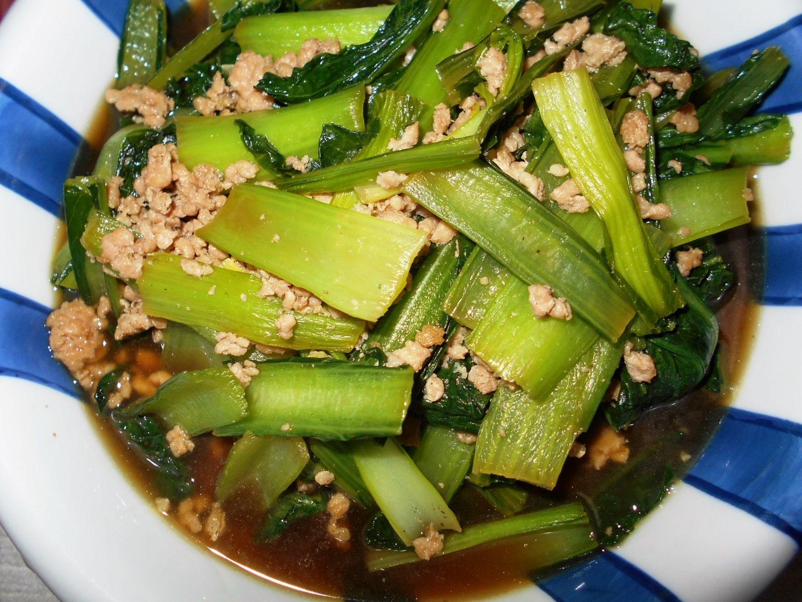 5. ごはんが進む♪ 山東菜と鶏ひき肉の炒め物