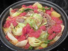 トマト缶で!牛肉とキャベツのトマト鍋