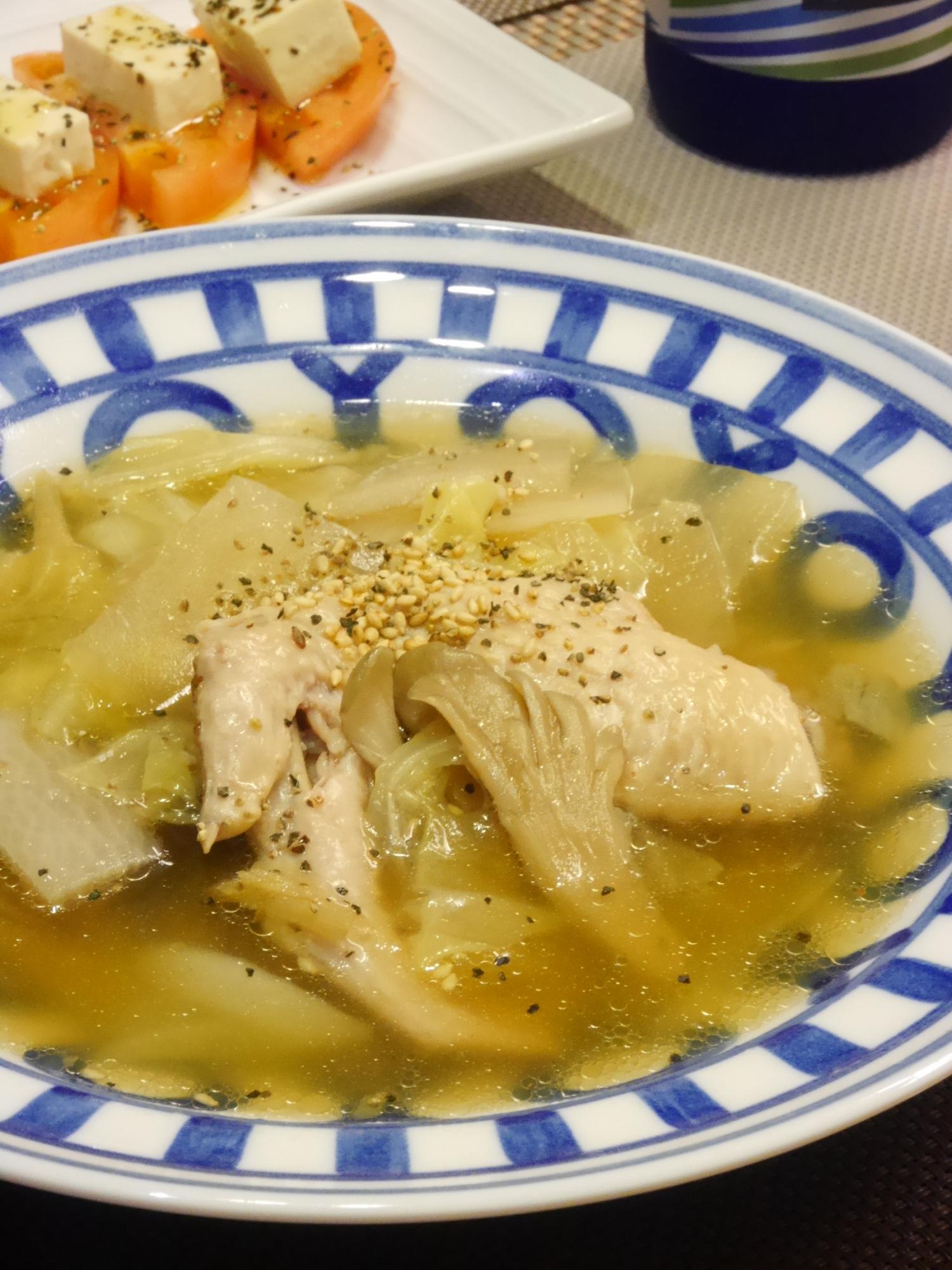 1. 圧力鍋でとろとろ手羽先の中華スープ