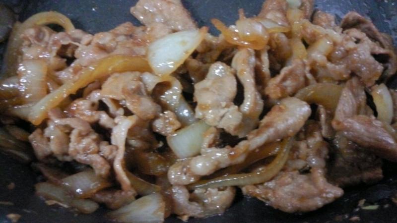肉と玉ねぎのピリ辛炒め