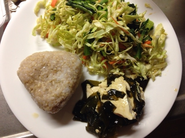 ダイエットプレート・豆腐とわかめと野菜!