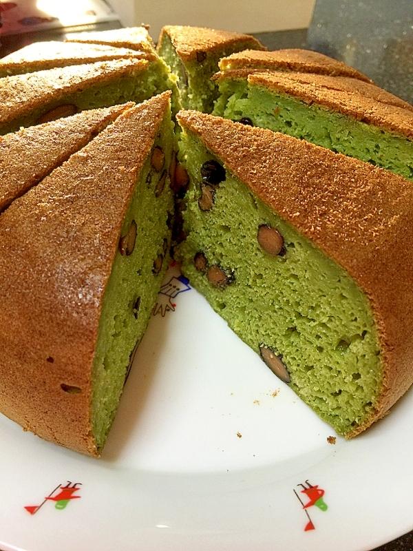 4. ほうれん草と黒豆の豆乳ケーキ