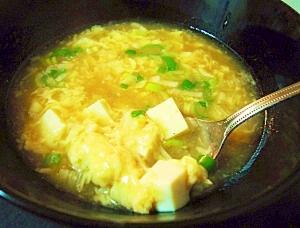 味噌と豆板醤で♪ピリ辛玉子&豆腐の中華スープ