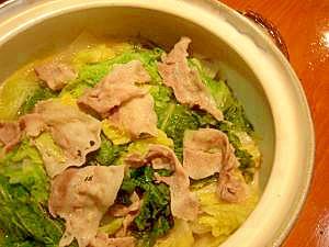 豚バラと白菜の土鍋で蒸し料理
