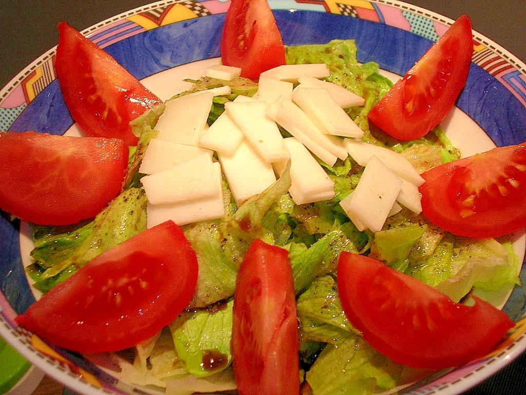 チーズ、トマト入り♪グリーンサラダ