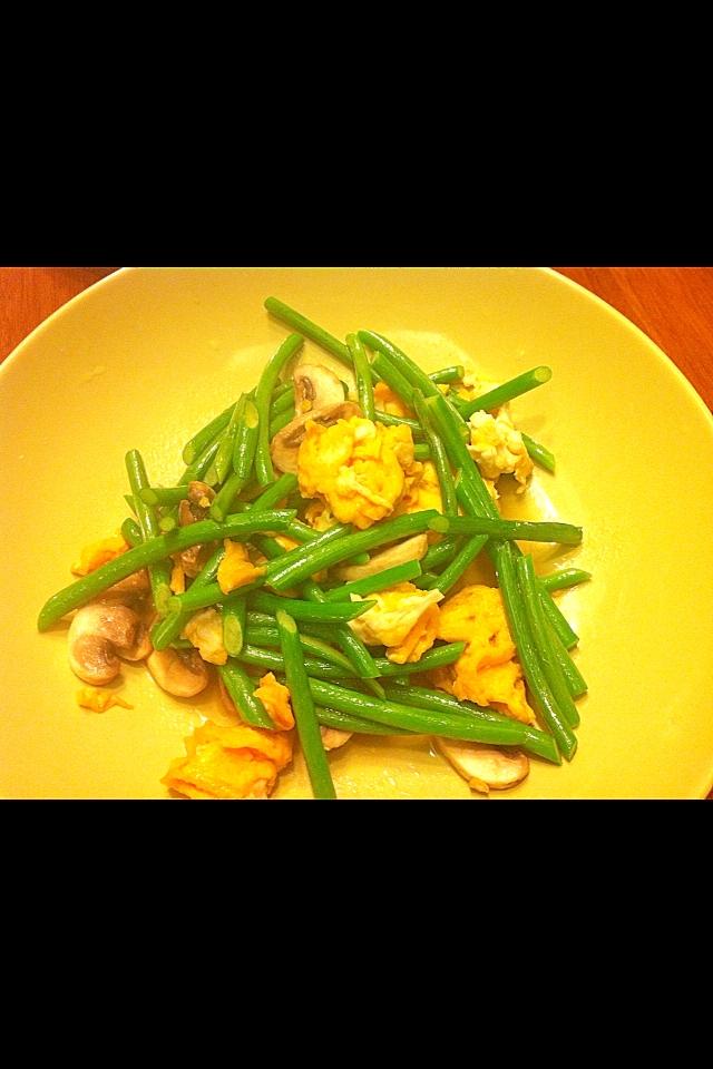 マッシュルームとニンニクの芽のあっさり炒め