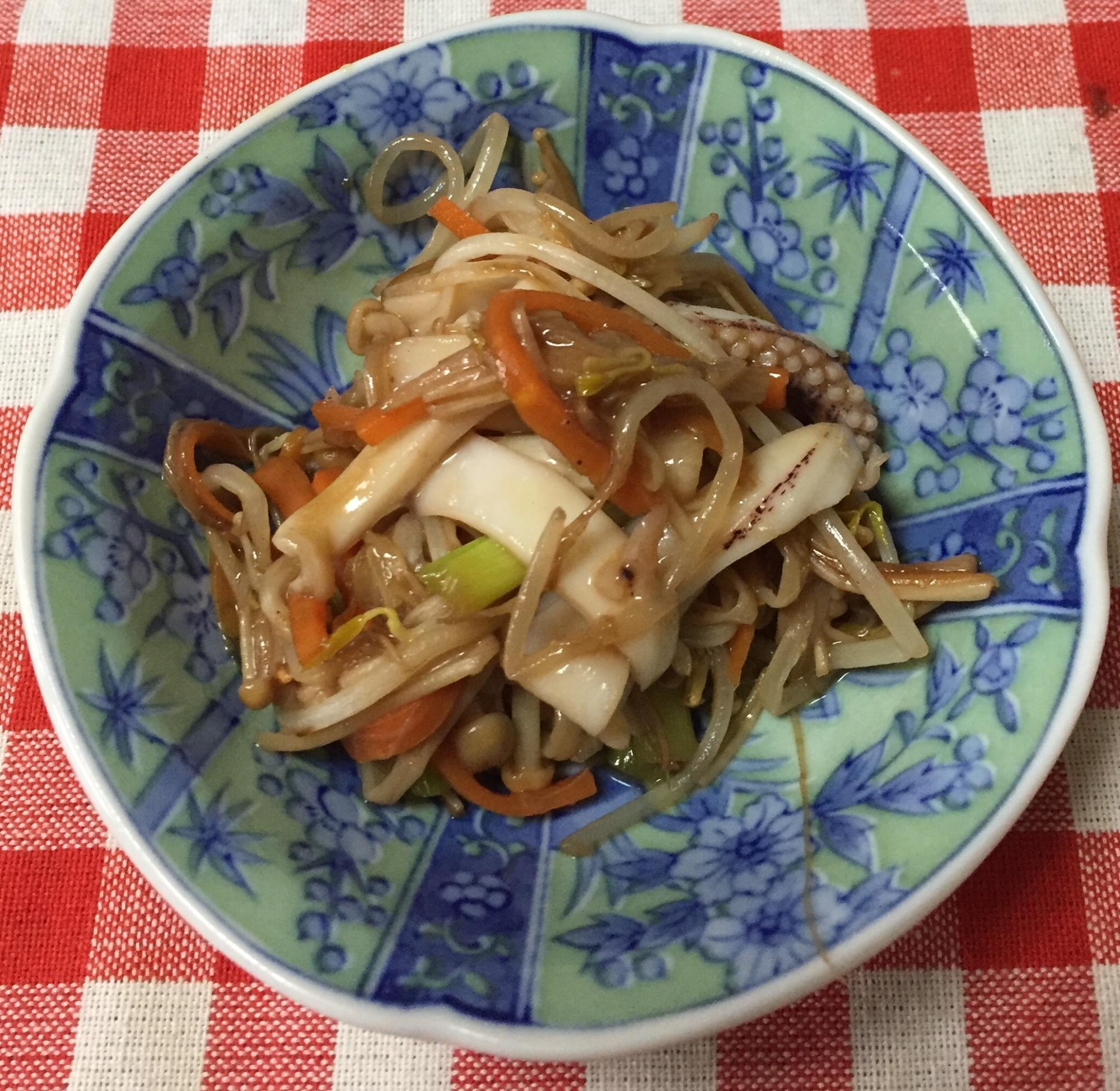 2. イカゲソと野菜のオイスター炒め