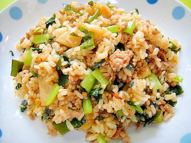 小松菜とわかめのキムチ炒飯