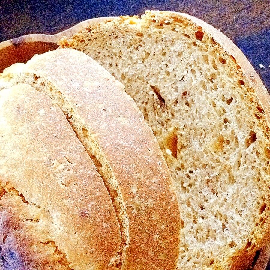田舎風パン♪「オートミールと干しぶどうのパン♪」