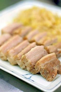 アルザス風シュークルート(塩豚とキャベツの煮込み)